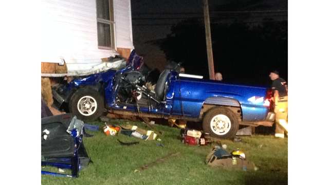 Blount County woman injured after hitting mobile home