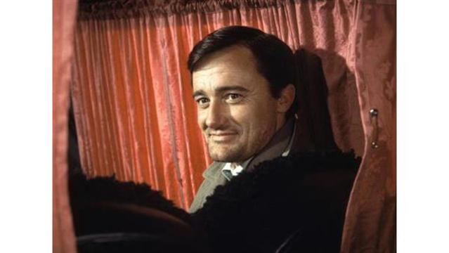 Robert Vaughn, suave 'Man from U.NCL.E.' star, dies at 83