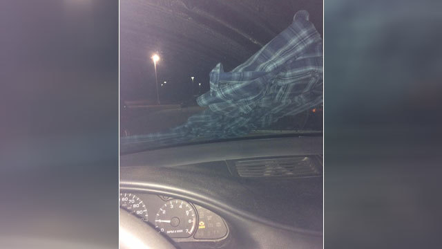 Woman's warning about shirt on windshield goes viral for very good reason