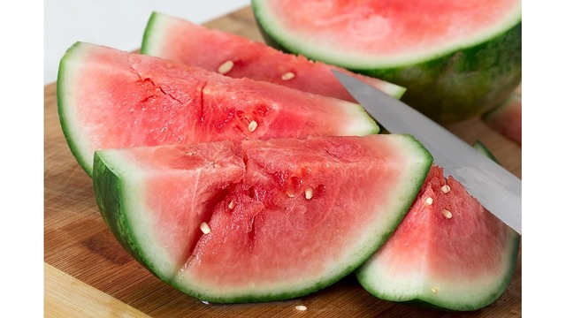 Downtown Knoxville hosts city's first watermelon crawl