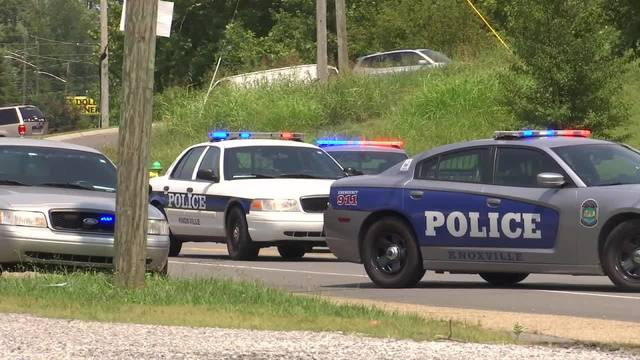 Knoxville police looking for driver in deadly hit-and-run