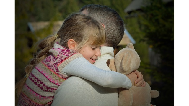 Girl Scouts: Parents don't force daughters to hug relatives