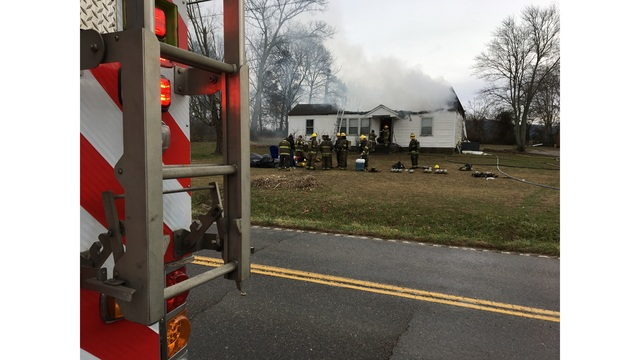 House catches fire in Corryton, first responders able to save presents and Christmas tree