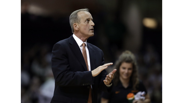 Tennessee men's basketball remains in Top 25