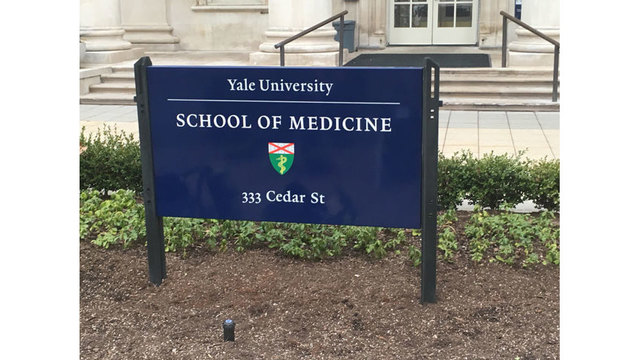 Yale students and dental professor took selfie with two severed heads