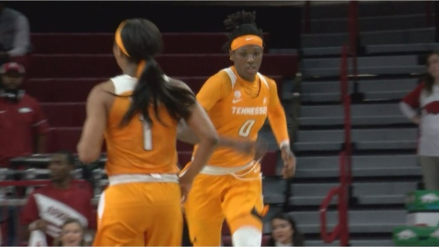Davis scores career-high 33 points in No. 11 Lady Vols 90-85 win at Arkansas