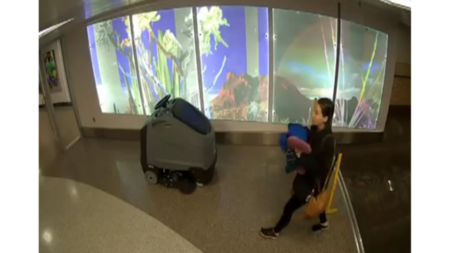 'I'm sorry': Mom gives birth, abandons baby in airport bathroom with note