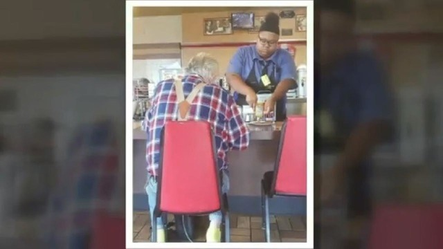 Waffle House waitress' act of kindness goes viral