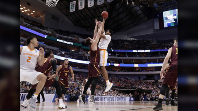 Loyola-Chicago sports its winning Jean, again