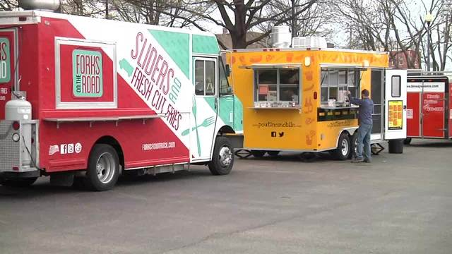 Food trucks gather for first Knoxville food truck park