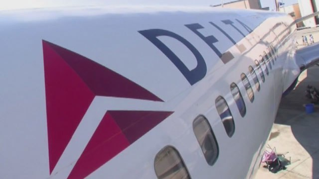 Delta will let passengers use mobile messaging in flight