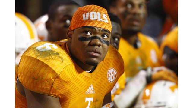 Vols safety Todd Kelly Jr. to miss Florida game with knee injury