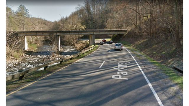 Knoxville man killed after motorcycle slams into guardrail on the Spur