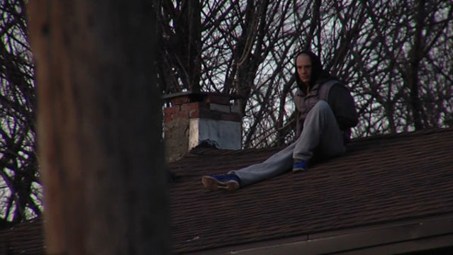New York police: Man climbs roof to avoid questioning for investigation