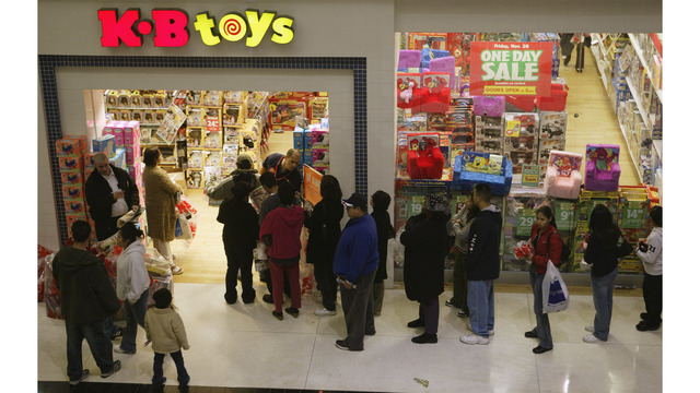 Hawaii Toys R Us stores to close in May; 48 employees warned