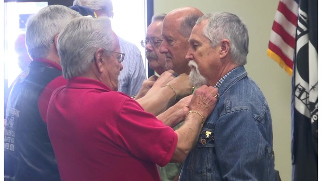 Rauner fetes Vietnam veterans for 'internal strength'