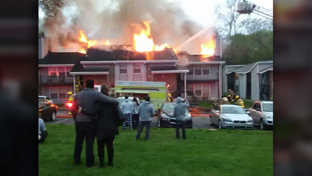 8 units damaged in large West Knox County apartment fire