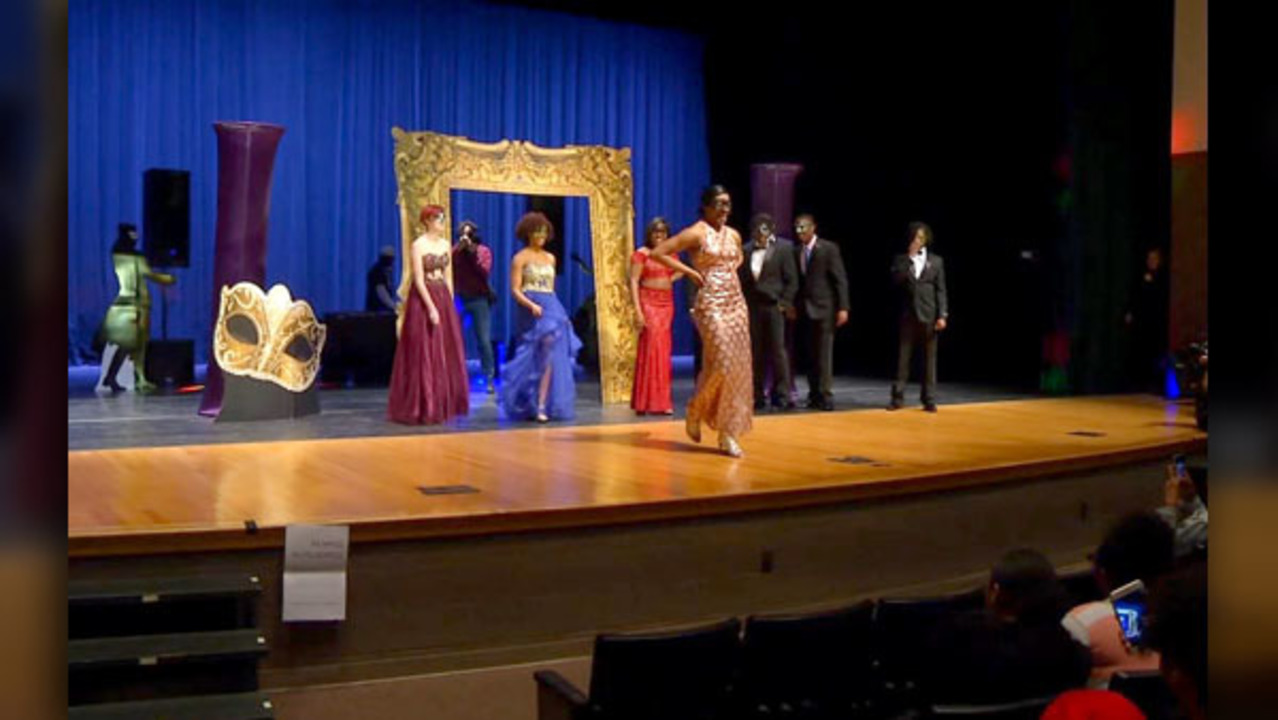 6528c6bddac Belk surprises Austin-East High School students with free prom