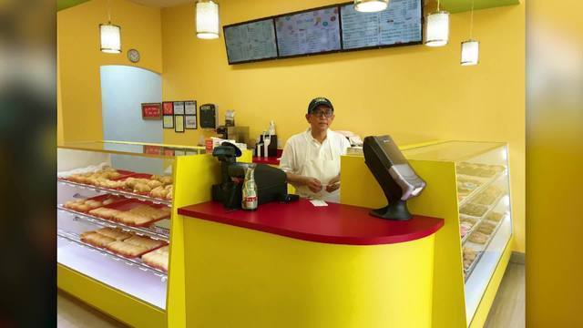 Son tweets photo of 'sad' dad's empty doughnut shop; Twitter comes to the rescue
